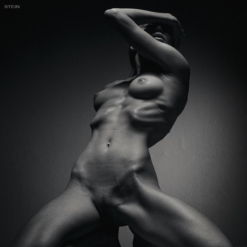 eroticheskiy-massazh-s-igrami
