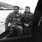 Ингрид Бергман с Роберто Росселини, плывут с острова Стромболи на встречу с мужем актрисы, посвященной оформлению развода