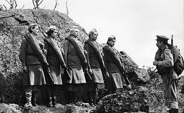 А зори здесь тихие - Фильмы о Великой Отечественной Войне